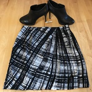 NWT Ann Taylor Black and White Silk Skirt Size 2